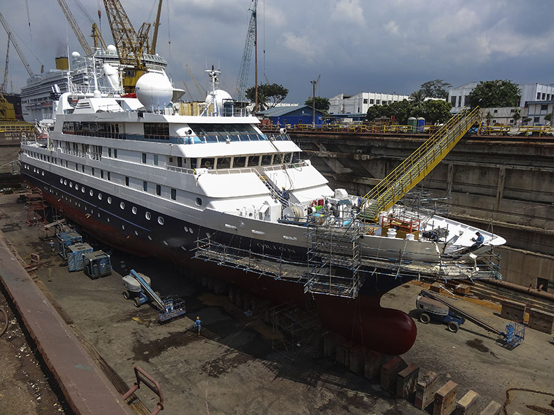 Expedition-ship-Orion-in-Sembawang-shipyard,-Singapore-000056406146_Full--shiprepairers-liability